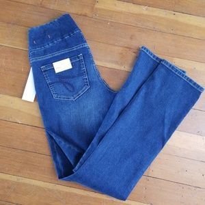 Jag Pull On High Rise Straight Jeans NWT
